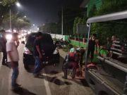 Seorang bandar narkoba yang ditembak polisi dievakuasi ke RS Bhayangkara, Banda Aceh, Jumat (30/3) dini hari. (Foto/Ist)