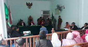Jalannya persidangan mutilasi dengan terdakwa Hd, di PN Kutacane, Rabu (28/3/2018). (Foto/Abadi Selian)
