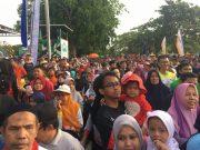 Ribuan warga Banda Aceh tumpah di lapangan Blang Padang, mengikuti jalan santai. (Foto/Aldin NL)