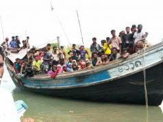 Pengungsi Rohingya berdesakan dalam kapan kayu saat terdampar di Kuala Raja, Bireuen, Jumat sore (20/4/2018). (Foto/Ist)