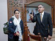 Wakil Gubernur Aceh Nova Iriansyah menerima kunjungan Ketua Umum Persatuan Artis Film Indonesia (Parfi), Marcella Zalianty, di Meuligoe Wakil Gubernur Aceh, Jumat malam (4/5/2018). (Foto/Ist)