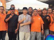 Ketua Umum DPW PNA Kota Banda Aceh, H.M. Zaini Yusuf (tengah) foto bersama pengurus dan kader PNA di kantor PNA Kecamatan Kuta Alam, Banda Aceh, Kamis petang (10/5/2018). ( Foto/Aldin NL)