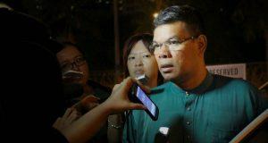 Saifuddin Nasution — orang Mandailing– dalam kabinet sebagai Menteri Saint dan Teknologi Malaysia, dalam kabinet Mahathir. (Foto/mountdweller1.rssing.com)
