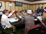 Gubernur Aceh, Irwandi Yusuf, dalam pertemuan dengan BBPOM Aceh di ruang kantor Gubernur Aceh di Banda Aceh, Selasa kemarin. (Foto/Ist)