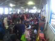Penumpang kapal rute Pulau Banyak - Singkil dipadati wisatawan. (Foto/Dani Randi)