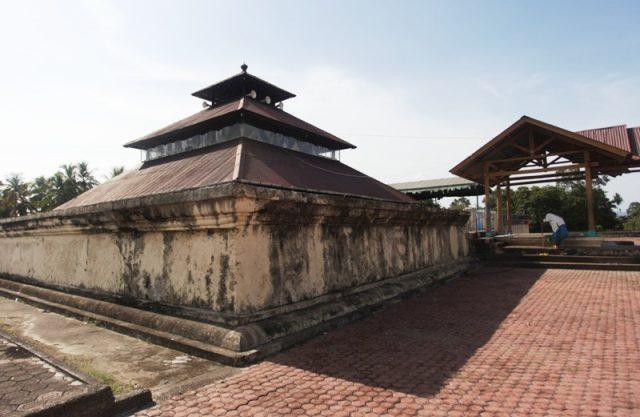 Masjid Tuha Indrapuri di Desa Pasar Indrapuri, Kecamatan Indrapuri, Kabupaten Aceh Besar. (Foto/Dani Randi)