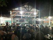 Hampir semua tempat atau kedai kopi di Banda Aceh mengadakan nobar (nonton bareng) final Piala Dunia 2018. Terlihat kemeriahan di doorsmeer kopi Puenjeurat Batoh, Banda Aceh, Minggu malam (15/7/2018) dibanjiri pecandu bola. (Foto/Aldin NL)