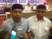 Ketua PB PORA, Iskandar dan Sekretaris PB PORA, Dasya, menjelaskan perkembangan pembangunan venue kepada pers di sela RAT KONI Aceh, Sabtu (21/7/2018). (Foto/Aldin NL)