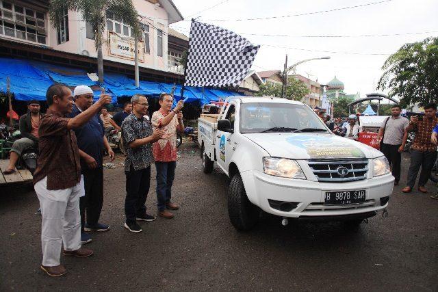 Pelepasan tim Tata Motors untuk mengeksplorasi pasar tradisional di Aceh, Jumat (20/7/2018). (Foto/Dani Randi)