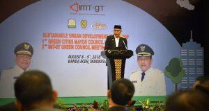 Pelaksana Tugas Gubernur Aceh menjadi keynote speaker atau pembicara utama dalam pertemuan Indonesia-Malaysia-Thailand Growth Triangle (CIMT-GT) di Banda Aceh, Rabu 8 Agustus 2018. (Foto/Ist)