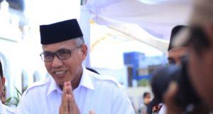 Plt Gubernur Aceh, Nova Iriansyah menyatakan siap diperiksa KPK di Mapolda Aceh, Kamis besok. (Foto/dani randi)