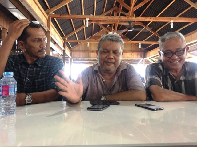Perwakilan pengusaha Aceh, memberikan keterangan pers usai acara temu Kangen Pengusaha, Sabtu (15/9/2018), di Banda Aceh. (Foto//Hendro SK)
