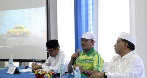 Rapat kesiapan PORA di Sekretariat PORA di Desa Gani Aceh Besar, dipimpin Bupati Mawardi Ali, didampingi Ketua Harian KONI Aceh, Kamaruddin Abubakar dan Ketua Panitia PORA XIII, Iskandar, MSi, Jumat (12/10/2018). (Foto/Ist)