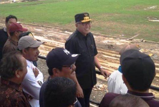 Plt Gubernur Aceh, Nova Iriansyah, ketika mengunjungi Kota Jantho, Aceh Besar, Minggu (14/10/2018). (Foto/Ist)