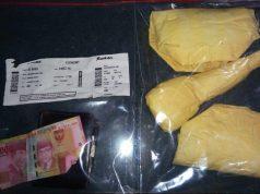 Barang bukti sabu dan uang yang diamankan dari seorang mahasiwa di Bandara SIM Blang Bintang. (Foto/Ist)