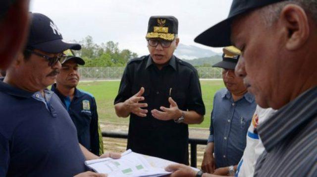 Plt Gubernur Aceh, Nova Iriansyah, melihat kesiapan pembukaan PORA XIII di Jantho, Aceh Besar. (Foto/Ist)