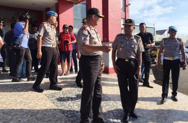 Kapolda Aceh, Irjen Pol Rio S Djambak, saat meninjau Lapas Klas IIA Banda Aceh/Aceh Besar, Jumat (30/11/2018). (Foto/Ist)