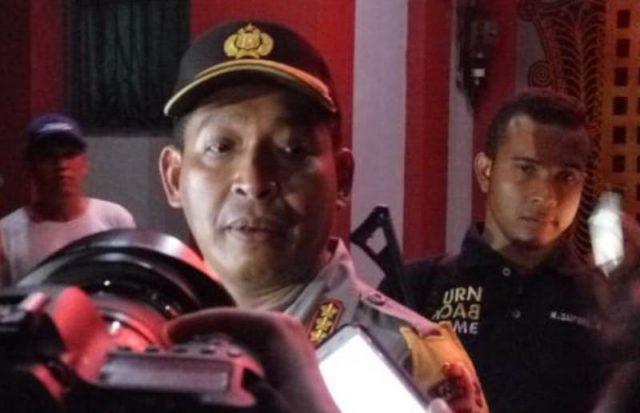 Kapolresta Banda Aceh, Kombes Pol Trisno Riyanto, menjawab pertanyaan wartawan saat berada di Lapas Lambaro. (Foto/KBA.ONE/Icha)