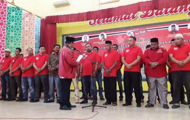 Ketua KPPA Jalaluddin (Buyung Tangah) pada acara pengukuhan pengurus Pemenangan Partai Aceh Kabupaten Aceh Selatan di Tapaktuan.(Foto/Faisal)
