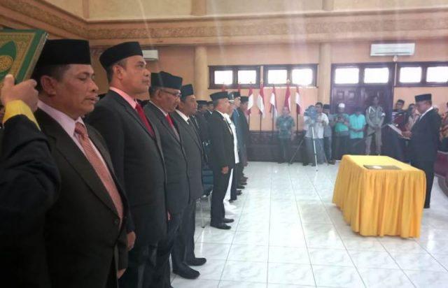 Bupati Aceh Barat, Ramli MS, melantik 171 orang pejabat eselon II, III dan IV di Aula Setdakab di Meulaboh, Jumat (11/1/2019). (Foto/Dedi Iskandar)