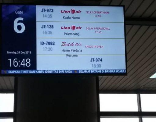 Sebuah maskapai swasta mengumumkan delay hingga lebih 2 jam pada penerbangan rute Batam - Medan, menjelang tahun baru 2019. (Foto/Al-farizi)