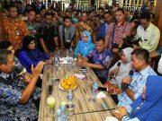 Dalam perjalanan, SBY dan rombongan, menyempatkan diri untuk berdialog dengan masyarakat. (Foto/Ist)