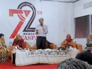 Pemimpin Redaksi Harian Waspada, H.Prabudi Said, menyampaikan pidatonya pada HUT ke-72 Harian Waspada, di gedung Bumi Warta Waspada Medan, Jumat (11/1/2019).