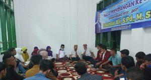 Ketua DPRK Aceh Besar Iskandar Ali, S.Pd.,M.Si menggelar reses II DPRK Aceh Besar tahun sidang 2020-2021 dihadiri 21 OKP (Organisasi Kemasyarakatan Pemuda) dan Ormas (Organisasi Kemasyarakatan), Minggu (04/04/2021), di Sekretariat Pelajar Islam Indonesia (PII) Ingin Jaya. (Foto/Ist)